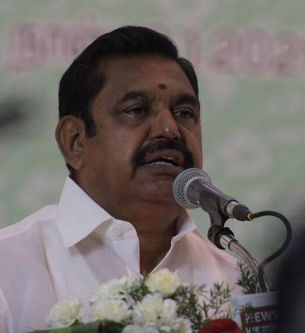 Tamil Nadu CM defends Panneerselvam, warns DMK against levelling false allegations